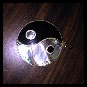 Pendent mother of pearl, onyx (no chain